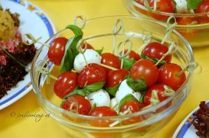 Mozarella mit Tomaten