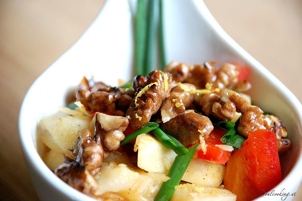 Gemüse mit Kokos und karamelisierten Walnüssen